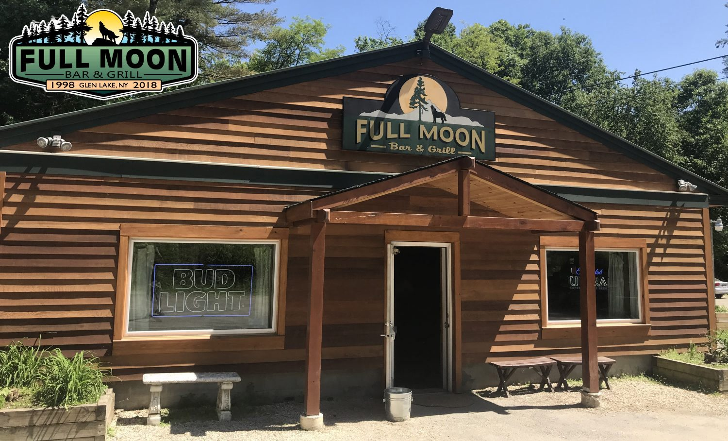 The Full Moon Bar and Grill